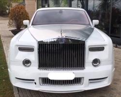 Road Drive -  Neuilly-sur-Seine - Rolls-Royce Phantom Mansory blanche