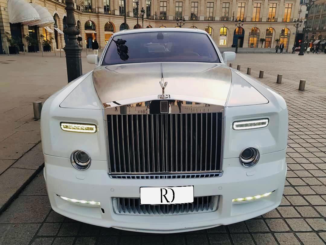 Nouveauté chez Road Drive! Nous vous proposons en exclusivité nationale la Rolls-Royce Phantom Mansory blanche à la location pour vos événements